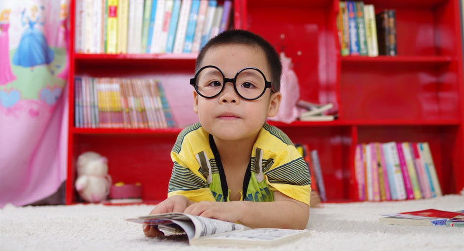 How to Choose Eyeglasses for Kids