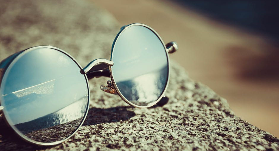 4 Helpful Tips on How to Buy Sunglasses